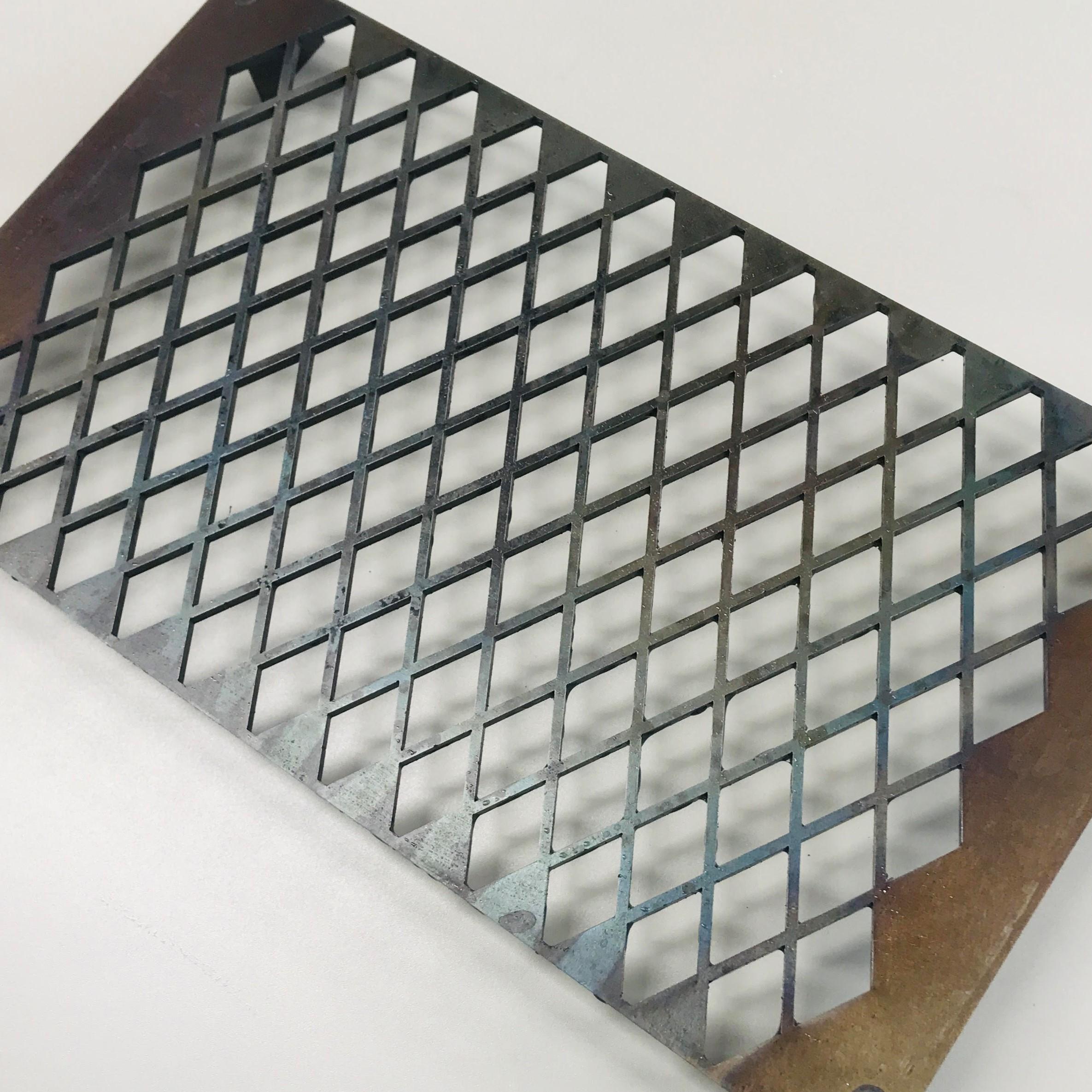 GRIG鉄板